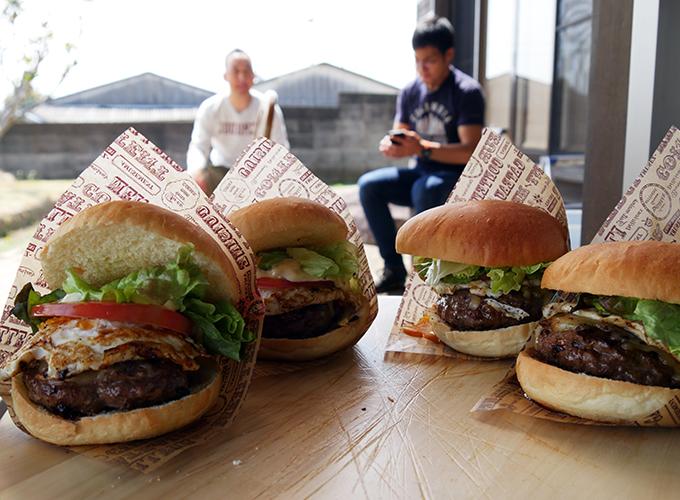 炭火焼ハンバーガー