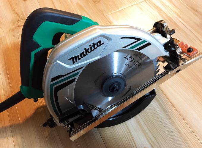 マキタの電気マルノコ「M565」